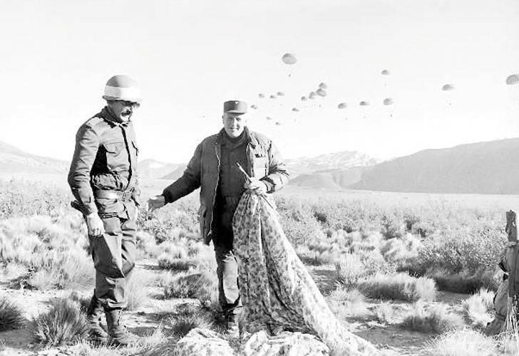 Galtieri en Malargüe, Mendoza, entrenando para la operación Soberanía
